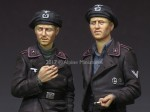 1-35-German-Panzer-Crew-Set-2-figures