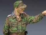 1-35-WSS-Panzer-Officer-in-Kursk-2