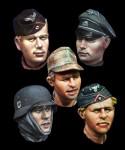 1-35-WW2-German-Head-Set-1