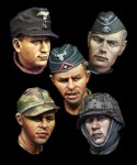 1-35-WW2-German-Head-Set-2