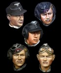 1-35-German-Panzer-Crew-Head-Set-2