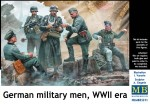1-35-German-military-men-WWII-era-5-fig-