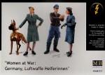 1-35-Luftwaffe-figures-2-men-2-women-and-a-Doberman