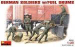 1-35-German-Soldiers-with-fuel-drums