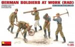 1-35-German-soldiers-at-work