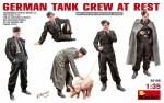 1-35-German-Tank-Crew-at-Rest