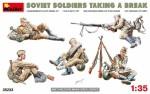 1-35-Soviet-soldiers-taking-a-break
