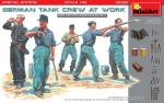 1-35-German-tank-crew-at-work-Special-edition