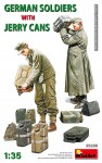 1-35-German-Soldiers-w-Jerry-Cans-2-fig-8-cans