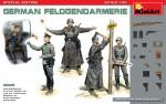 1-35-German-Feldgendarmerie-5-fig-+-weapons