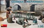 1-35-German-Repairmen-2-fig-and-tools