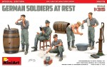 1-35-German-Soldiers-At-Rest-Spec-Edition5-fig-
