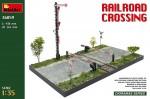 1-35-Railroad-Crossing-diorama
