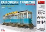 1-35-European-tramcar-Strassenbahn-Triebwagen-641-with-crew-and-passengers
