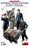 1-35-German-Train-Station-Staff-1930-40s-4-fig-