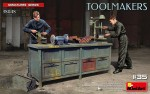 1-35-Toolmakers-workbench-2-fig-and-tools