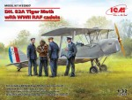 1-32-DH-82A-Tiger-Moth-with-RAF-cadets-WWII