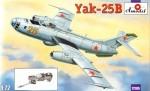 1-72-Yakovlev-Yak-25B-Soviet-bomber