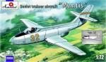1-72-Yakovlev-Yak-32-Mantis-Soviet-trainer-aircraft