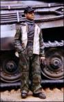 1-35-German-Tankman-in-camouflage