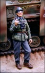 German-Officer-with-flare-pistol
