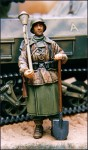 German-soldier-with-panzerfaust