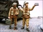 1-35-Two-man-British-PIAT-team