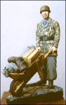 1-35-Ger-Paratrooper-with-barrow-of-kit