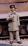 1-35-British-officer-in-duffle-coat-Western-Desert-WW2