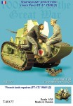 1-35-France-tank-repaires-FT-17-WW-I-TWO-FIGURES