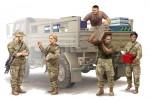 1-35-Modern-U-S-soldiers-Logistics-Supply-Team