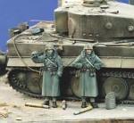 1-35-German-Infantry-Overcoats