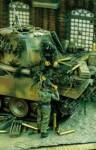 1-35-German-Tankers-Ammo-Supply