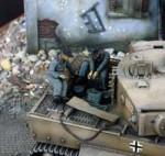 1-35-Tiger-Crew-Engine-Repair