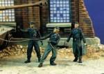 1-35-German-Tankers-at-Work-WWII