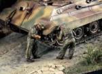1-35-German-Tank-repair-Crew