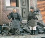 1-35-German-Panzergrenadiers-WWII