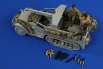 1-35-M3-15mm-Gun-Carriage-Ammo-Stowage-Crew