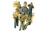 1-35-German-SPG-Crew-Vol-2