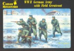 1-72-German-Army-with-Field-Greatcoat-WWII