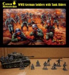 1-72-German-Soldiers-with-Tank-Riders-WWII