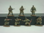 1-72-WWII-German-Army-with-Camouflage-Cape
