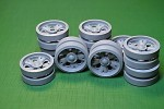 1-35-T-55-T-55A-T-55AM-Road-Wheels-set-20pcs-16-pcs-with-a-standard-hub-and-4-pcs-with-reinforced-hub