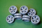 1-35-T-62-Road-Wheels-set-20pcs-12-pcs-with-a-standard-hub-and-8-pcs-with-reinforced-hub
