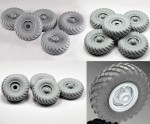1-35-Wheel-set-for-Soviet-Truck-Gaz-66-4pcs-plus-extra