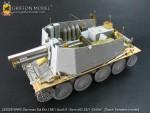 1-35-WW-II-German-Sd-Kfz-138-1-Ausf-H-15cm-sIG33-1-Grille
