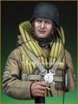 1-10-Luftwaffe-Bomber-Crewman-1940