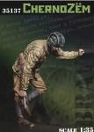 1-35-Ruus-soldier-cernozem-