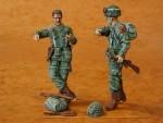 1-35-US-Paratroops-2-fig-