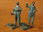 1-35-Israeli-Paratroopers-2-fig-